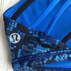 lululemon athletica Intimates & Sleepwear - Lululemon Free to Be Wild Blue Snake - Size 2